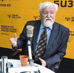 Археолог, военный историк Юлий Сергеевич Худяков и тюрколог Виктор Яковлевич Бутанаев
