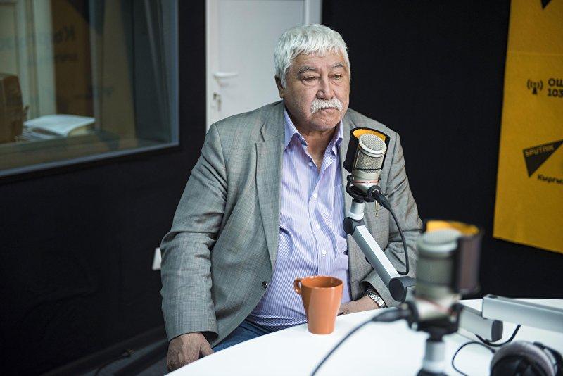 Тюрколог Виктор Бутанаев, один из авторов ряда трудов по истории енисейских кыргызов во время интервью Sputnik Кыргызстан