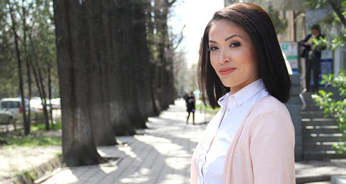 Коомдук биринчи каналдын алып баруучусу Гүлзат Карыбаева. Архив