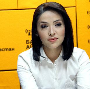 Жаш диктор Гүлзат Карыбаева