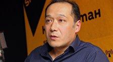 Кыргызовед и руководитель фонда Бакдоолот Мелис Мураталиев во время интервью ИА Sputnik Кыргызстан.