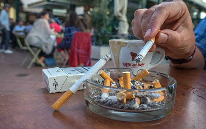 essay tobacco advertising Advertising and promotion of alcohol and tobacco products a federal ban on all forms of tobacco advertising including papers  rockville, md: us.