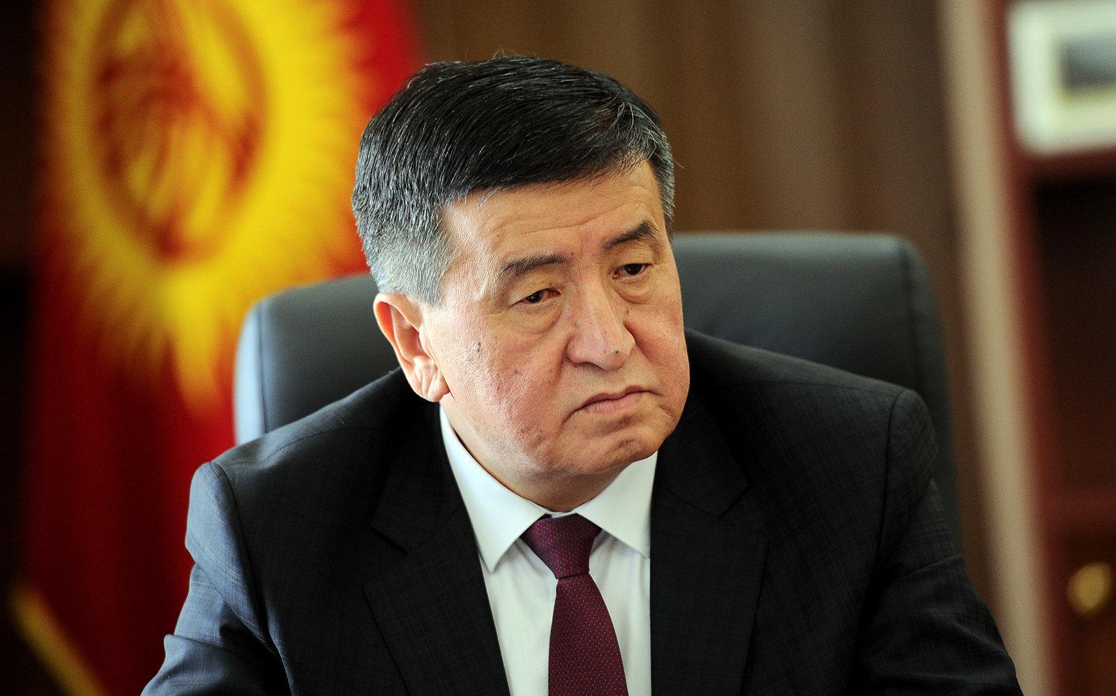 Премьер-министр Кыргызской Республики Сооронбай Жээнбеков в своем рабочем кабинете. Архивное фото