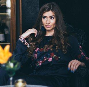 Украинадан чыккан профессионал модель Алиса Саросектин архивдик сүрөтү