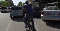Если чувствуешь себя бесполезным, посмотри на велодорожку в Бишкеке