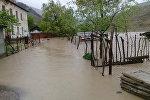 Жалал-Абад облусуна караштуу Кой-Таш участкасында көчкөн жер Майлуу-Суу дарыясынын нугун чыгып кетишинин кесепети