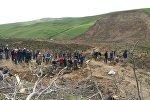 Өзгөндүн Аюу айылында 24 киши жер көчкүнүн алдында калды