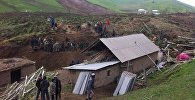 Өзгөн районунун Зергер айыл аймагындагы Аюу айылында 29-апрелде жер көчүп алты үй-бүлөдөн 24 кишини басып калган