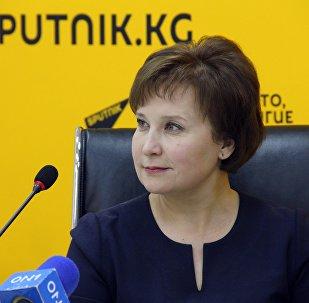 Координатор акции в Бишкеке Зульфира Хайбуллина во время видеомоста в мультимедийном пресс-центре Sputnik Кыргызстан