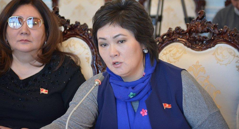 ЖК депутаты Жылдыз Мусабекованын архивдик сүрөтү