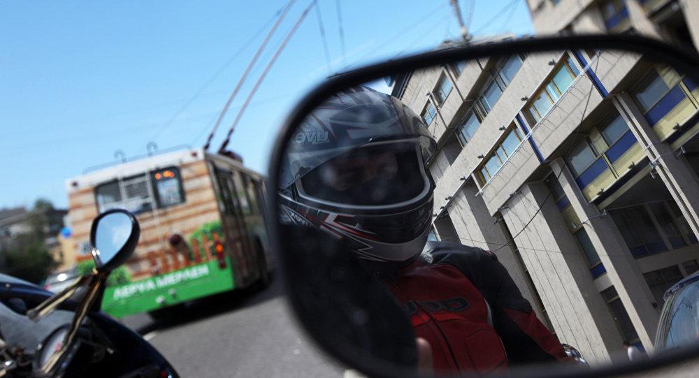 Мотоциклчен адам. Архив