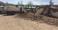 Оказание гуманитарной помощи пострадавшим при сходе оползня в селе Аюу Узгенского района