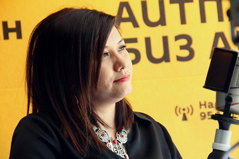 Программный директор радиостанции Кыргызстан обондору Лилия Абдыбаитова во время интервью Sputnik Кыргызстан