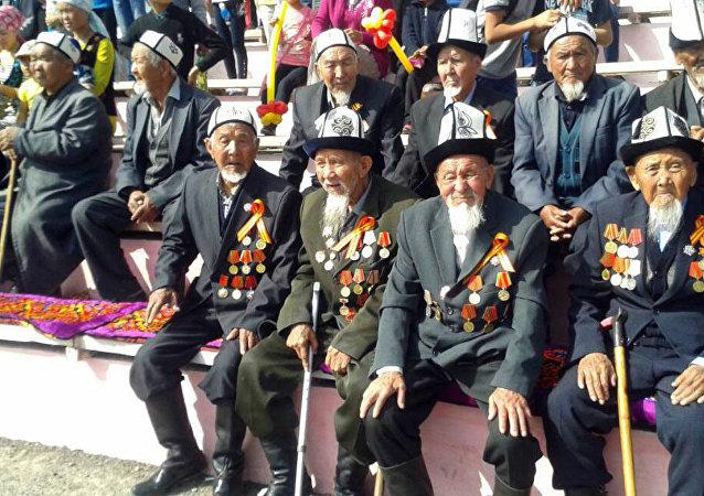 Ветераны ВОВ в Баткене по случаю Дня Победы в Великой Отечественной войне