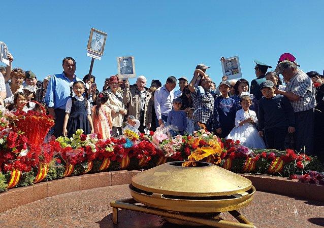 Митинг-реквием, посвященная 72-й годовщине Победы в Великой Отечественной войне, который состоялся на столичной площади Победы