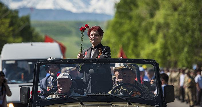 Шествие Бессмертного полка в Бишкеке к 72 годовщине Победы