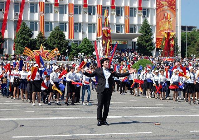 Праздничное мероприятия ко дню  72-годовщины Победы в Оше
