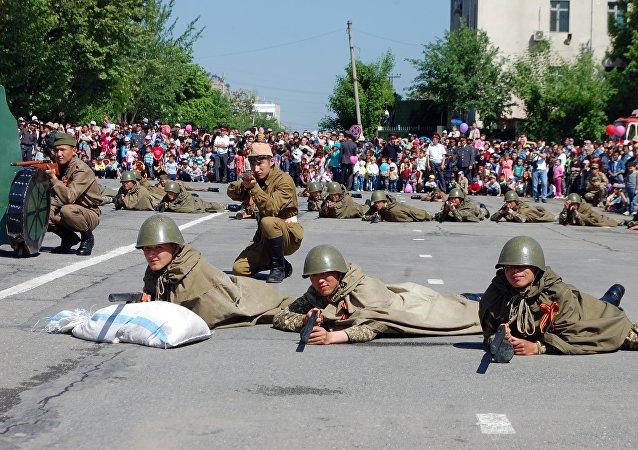 Театрализованное шоу ко дню 72-годовщины Победы в Оше