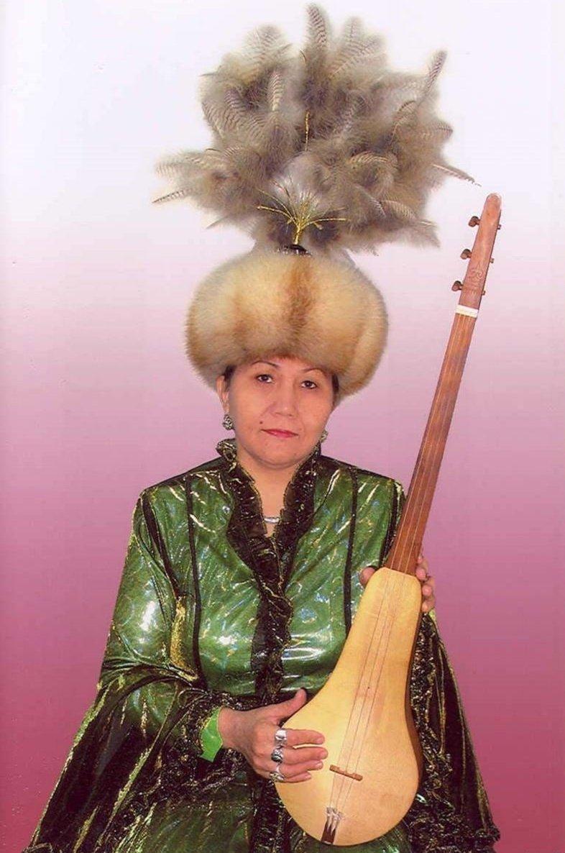 Акын, известный исполнитель Майра Керим кызы