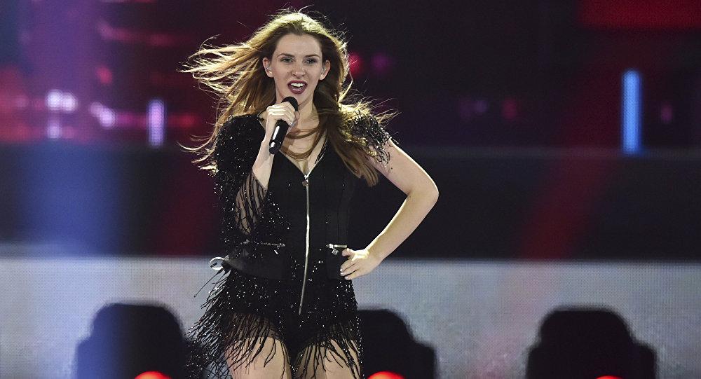 Участнице «Евровидения-2017» сделали предложение руки исердца впрямом эфире
