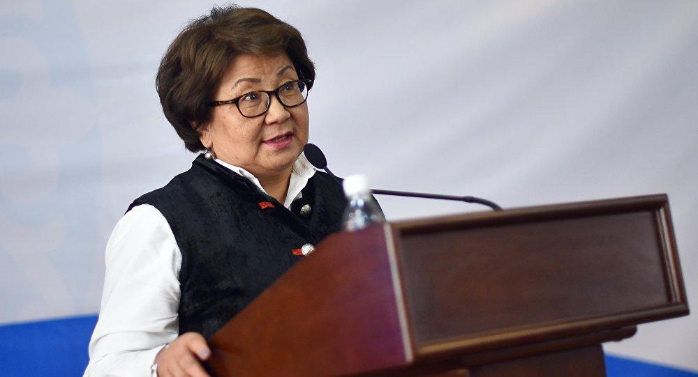 Президент переходного периода в 2010-2011 годах Роза Отунбаева. Архивное фото