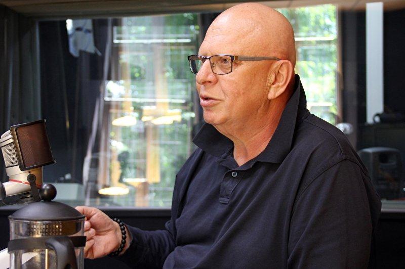 Известный публицист полковник милиции в отставке Александр Зеличенко в студии ИА Sputnik Кыргызстан
