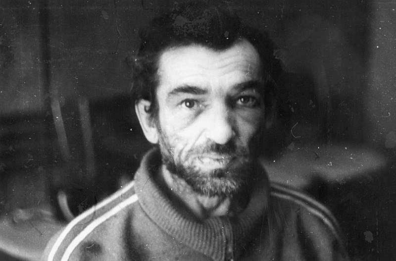 Знаменитый фрунзенский некрофил Михаил Лукьянов, задержанный в 1995 году в Кемине