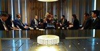 Президент Алмазбек Атамбаев встретился с председателем правления китайской госкорпорации по строительству дорог и мостов Лу Шанем