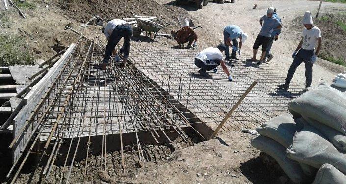 Курулуш материалдарына 100 миң сомдон ашык каражат чогулган.
