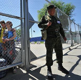 Кыргызстандын Өзбекстан менен чек ара аймагы. Архивдик сүрөт