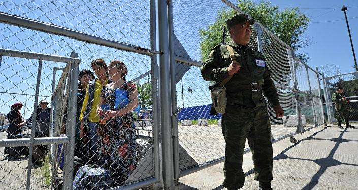 Кыргыз-өзбек чек арасы. Архивдик сүрөт