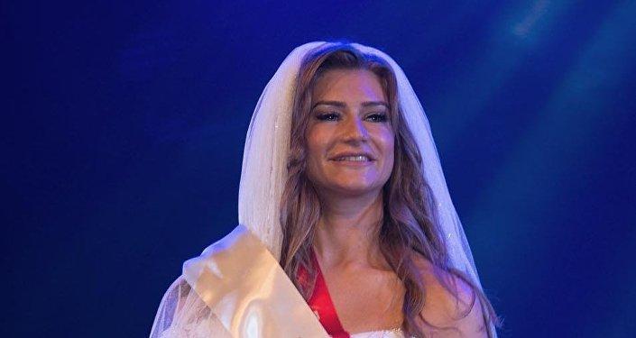 В конкурсе принимали участие 17 красавиц. Большинство конкурсанток являются представительницами стран бывшего СССР и проживают в Дубае.