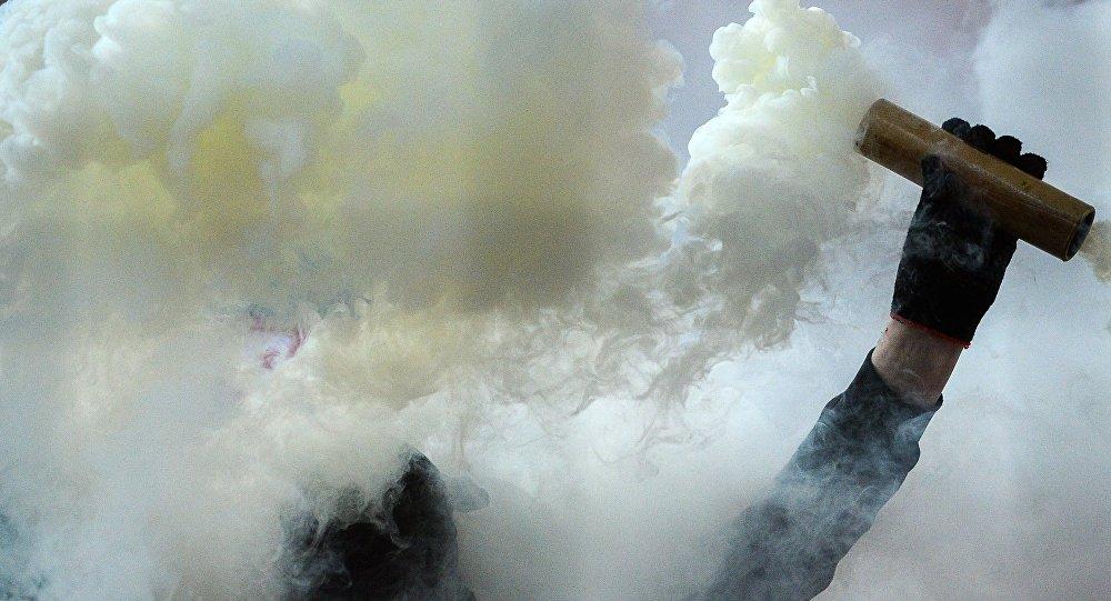 Дымовая шашка. Архивное фото