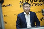 Депутат ЖК Алмамбет Шыкмаматов на радиостудии Sputnik Кыргызстан