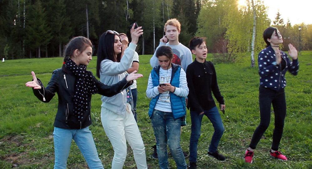 Дети, представлявшие страны СНГ и Балтии на проекте НТВ и Sputnik Ты супер! вновь прибыли в Москву, чтобы принять участие в финальном концерте вокального конкурса