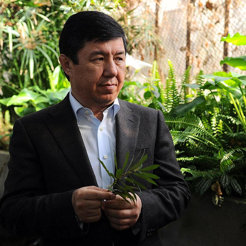 Премьер-министр Темир Сариев ознакомился с состоянием Ботанического сада имени Э.Гареева