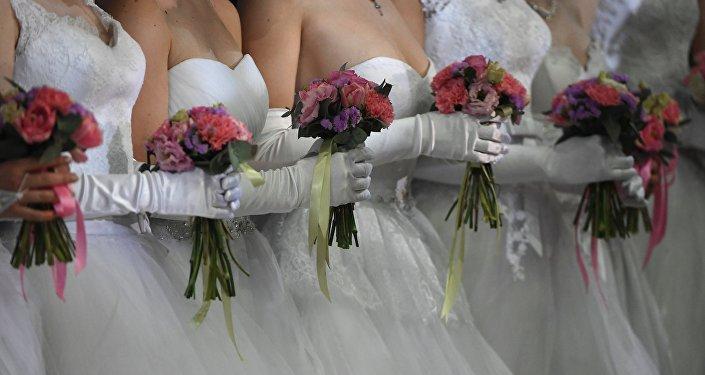 Подружки невесты. Архивное фото
