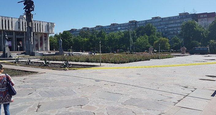 Вцентре Бишкека сапёры уничтожили схожий набомбу предмет