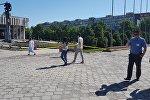 Бишкек шаарындагы Токтогул Сатылганов атындагы улуттук филармониянын имаратынын аймагына бомба коюлду деген маалымат келип түшкөндүктөн ал жер курчоого алынды.