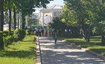Токтогул Сатылганов атындагы улуттук филармониянын айланасы