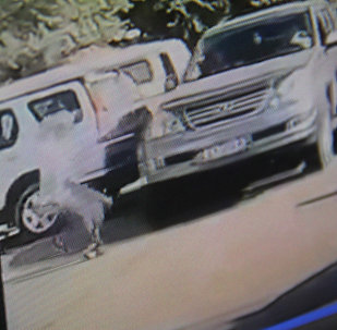 Момент когда, в селе Ново-Павловка подросток выбежал на дорогу и налетел на автомобиль. Фото со страницы Facebook пользователя Айбек Бараташвили