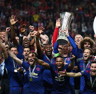 Футбол боюнча Европа лигасында англиялык Манчестер Юнайтед командасы жеңүүчү аталды