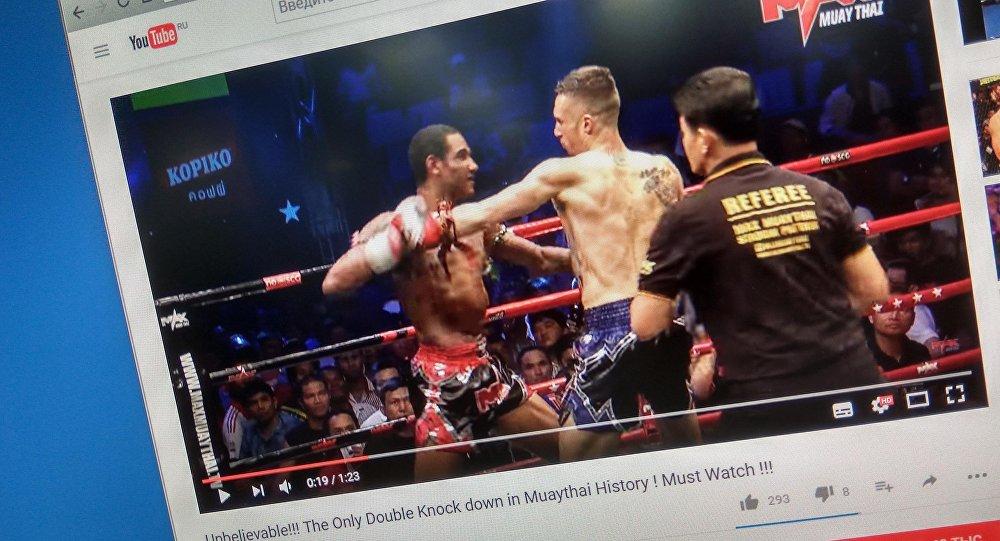 Бойцы отправили друг дружку вдвойной нокдаун натурнире потайскому боксу