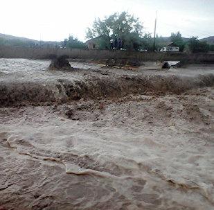 Последствия наводнения в селах Баткена