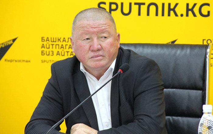 Зеленстрой ишканасынын директору Токтобек Элгондиев