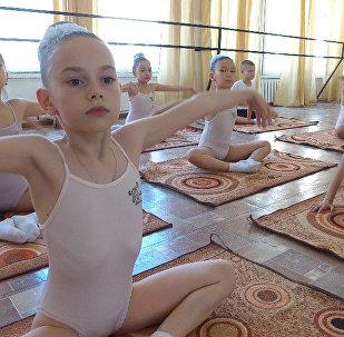 Очень мило! Юные кыргызстанцы учатся балету