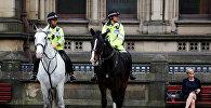 Манчестер полиция кызматкерлери. Архивдик сүрөт