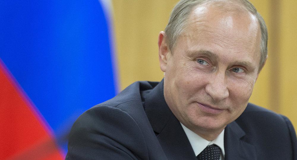 Россиянын президенти Владимир Путин жумуш учурунда. Архив