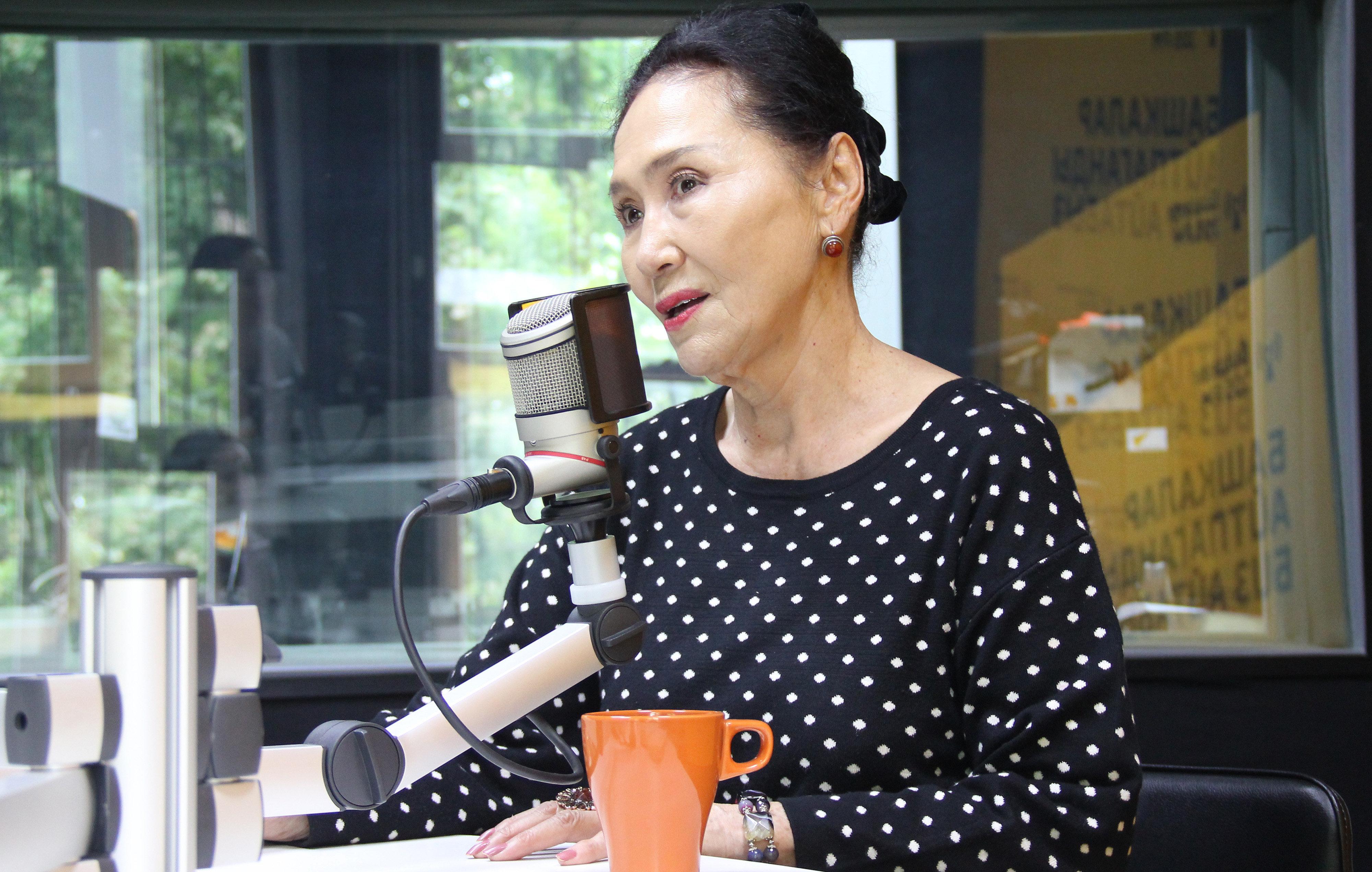 Народная актриса Кыргызстана, артистка театра и кино Назира Мамбетова во время интервью Sputnik Кыргызстан