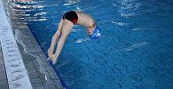 6-летний безрукий пловец Исмаил Зульфик из Сараево